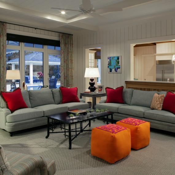 Transitional Living Room/Den