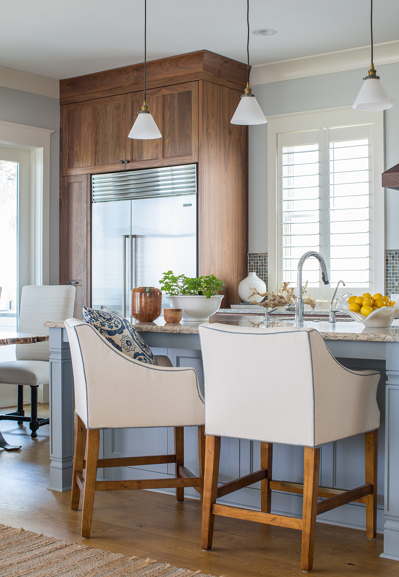Crescent beach oceanfront design studio m interior design - How to be an interior designer ...